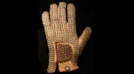 Michael Jackson's iconic white glove among items on auction next month
