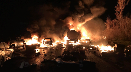At least 2 dead after fiery crash on Hwy. 400 south of Barrie