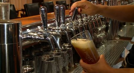 Councillor wants to let bars serve alcohol during Olympic hockey