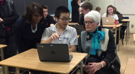 Education minister announces all Ontario students to have internet by 2021