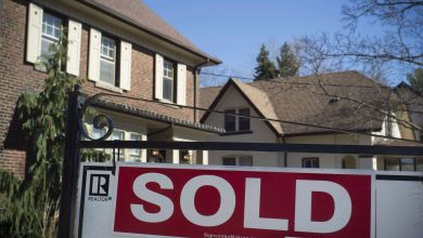 Photo of Home sales fell 14% in March as COVID-19 settled in, CREA says