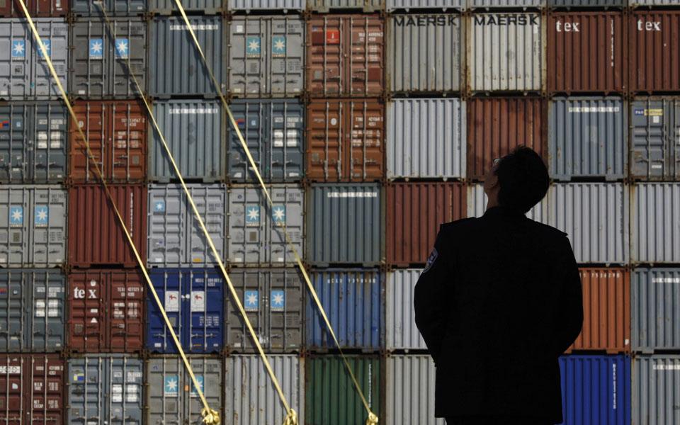 """Photo of Empresários com """"profunda preocupação"""" sobre greve dos estivadores"""