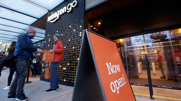 Photo of Amazon opens store with no cashiers, lines or registers