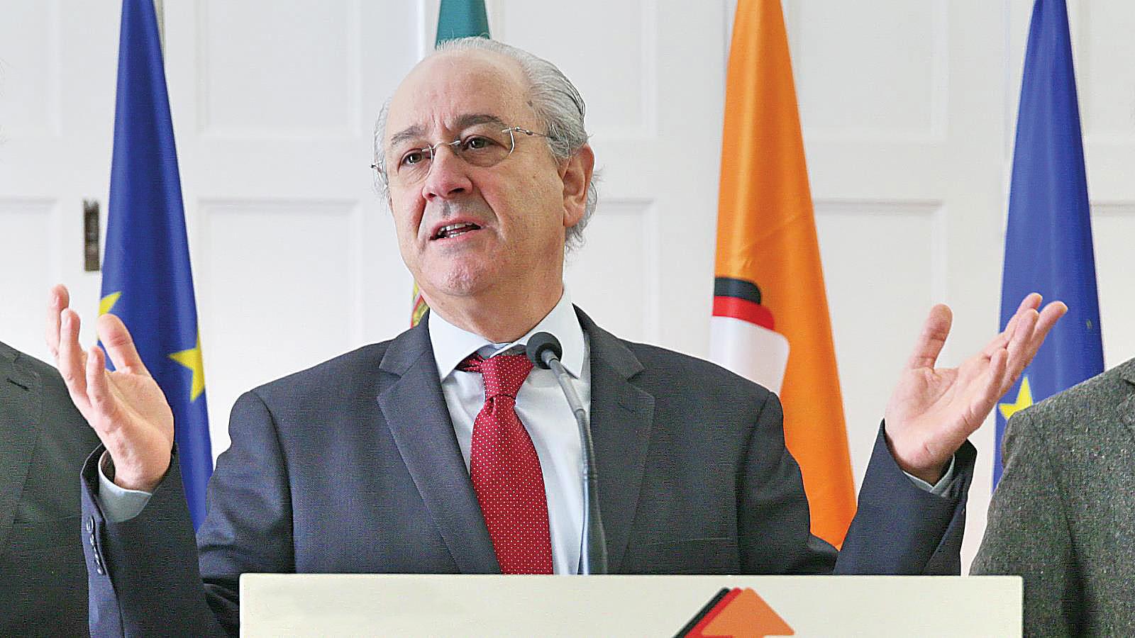 """Photo of Rui Rio diz que os Açores """"valem 12 mil votos"""""""