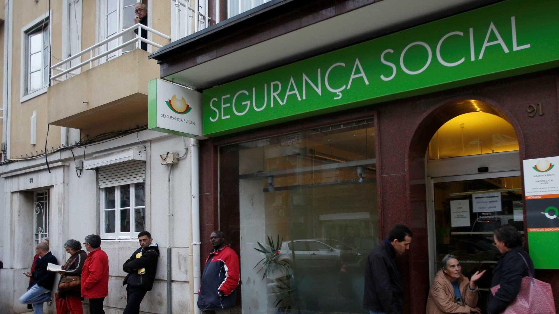 Photo of Técnicos superiores da Segurança Social queixam-se de discriminação