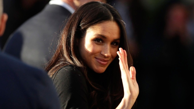 Photo of Markle requests 'understanding and respect' amid report her father will not attend wedding