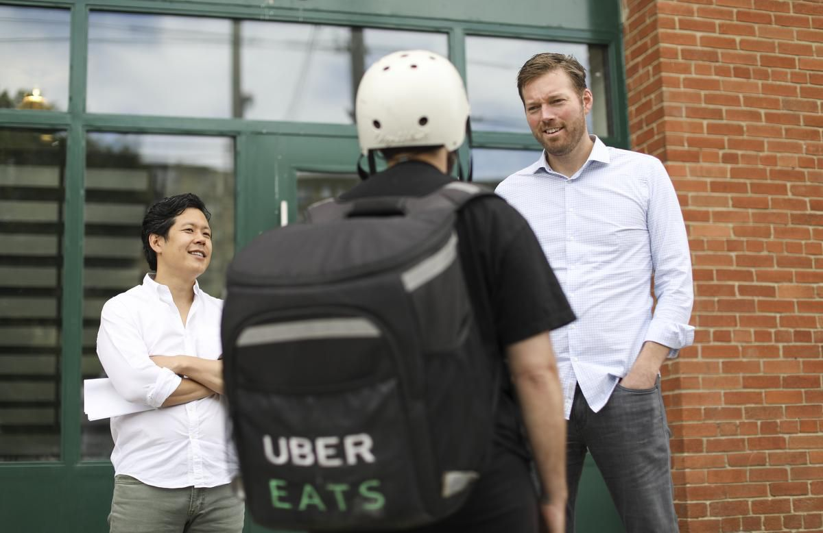 Photo of Consumers love food delivery apps, but high commissions eat at restaurant owners