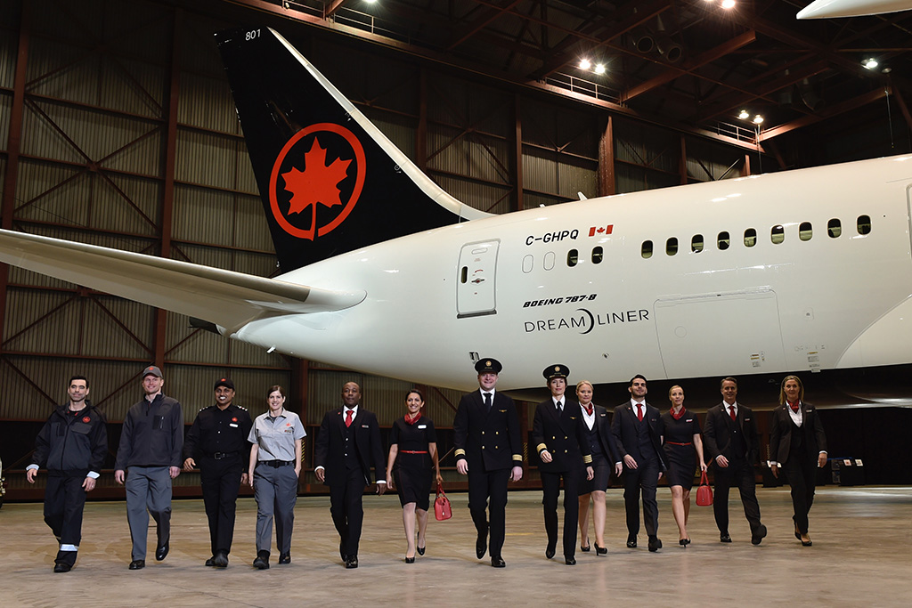 Photo of Air Canada to rehire 16,500 laid-off workers with help of federal government's wage subsidy