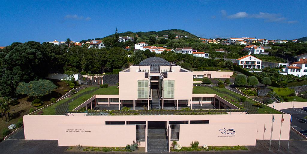 Photo of Partidos nos Açores dizem ser necessário reabrir economia da região