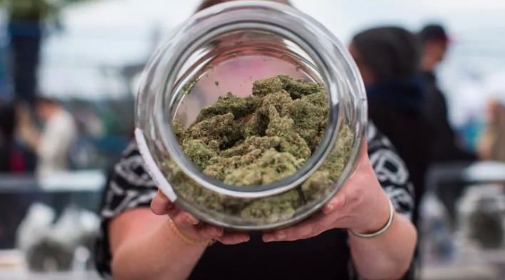 Photo of Pot stores are now legal in Ontario