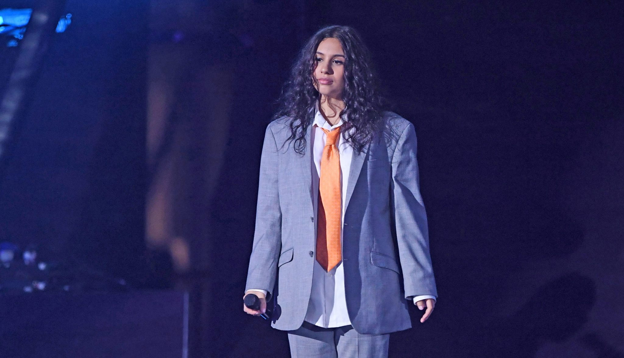 """Photo of Alessia Cara vence """"Best World Stage"""" nos EMA"""