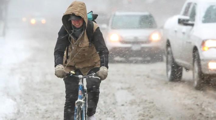 Photo of Tuesday brings snow, freezing rain warnings