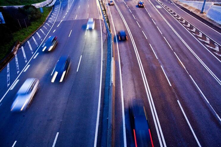 Photo of Carros usados importados triplicam desde entrada da troika