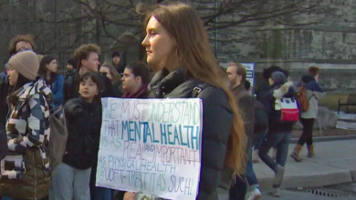 Photo of Students angry U of T not acknowledging campus suicides