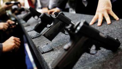 Photo of Jovens atacam escola a tiro no Brasil e matam oito pessoas