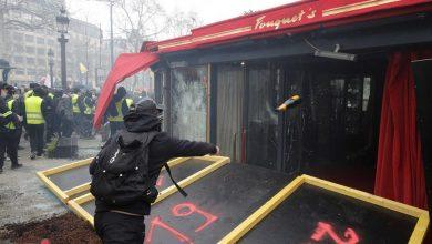 """Photo of """"Morte aos ricos"""": restaurante dos famosos destruído e queimado em Paris"""