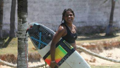 Photo of Surfista morreu atingida por raio na água