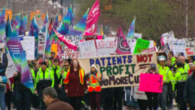Photo of Thousands gather at Queen's Park to protest against Ford government health cuts