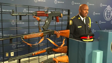 Photo of Toronto police chief, mayor set to announce gun buyback plan