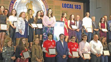 Photo of ACAPO entregou 21 bolsas de estudo – Alexandre Franco e Cruz Gomes homenageados