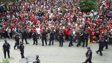 Photo of Desfile dos campeões da NBA em Toronto interrompido por tiros