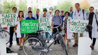 Photo of Toronto doctors call on city to add bike lanes along Danforth