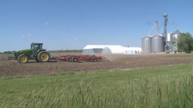 Photo of Worst year ever? Farmers finally planting in southwestern Ontario