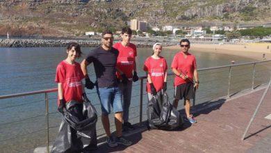 Photo of Ludens Clube de Machico em acção de limpeza no Porto de Recreio