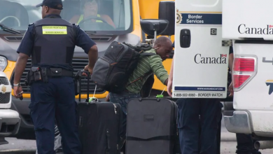 Photo of Critics question why Canada's border officers need bulletproof vests to work with migrants