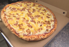 Photo of Paying for pizza deliveries with your credit or debit card? Watch out for scammers