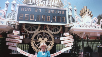 Photo of No expiration date: Alberta woman tours Disneyland with 34-year-old free pass
