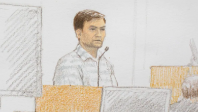 Photo of B.C. dad on trial for daughters' murders points finger at loan shark