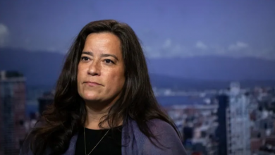 Photo of Wilson-Raybould now says she was contacted by RCMP over SNC-Lavalin affair