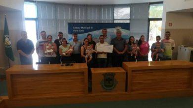Photo of Câmara do Porto Santo entrega cheques ao incentivo à natalidade
