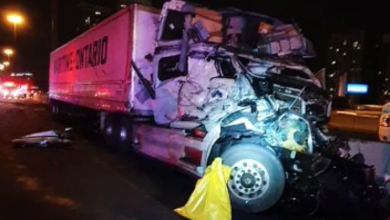 Photo of Highway 401 eastbound express lanes closed after 3-vehicle collision