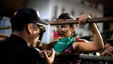 Photo of Lei para aprovar abortos em casos de violação rejeitada no Equador
