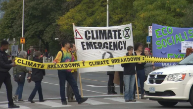 Photo of Climate protest shuts down Bloor Viaduct traffic during rush hour