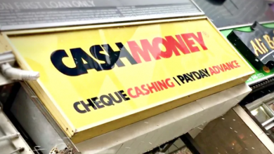 Photo of Toronto no longer offering new licences to 'predatory' payday loan outlets