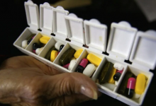 Photo of New tool helps seniors and their health-care team reduce overmedication, Canadian study finds