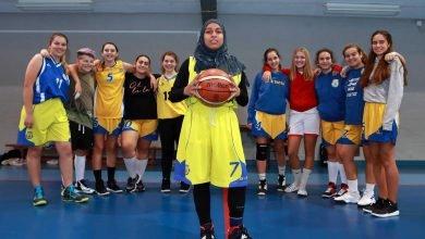 Photo of Muçulmana de 13 anos impedida de jogar por recusar mostrar braços