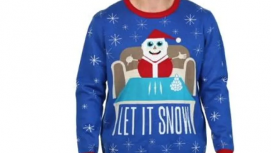 Photo of Walmart Canada pulls sweater of Santa with what looks like cocaine