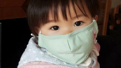 Photo of Toronto dad calls on Ottawa to help get his stranded toddler out of Wuhan