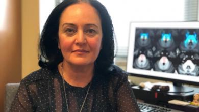 Photo of Toronto neurosurgeon marks 1,000th operation treating 'excruciating' facial pain syndrome