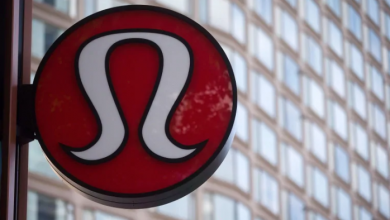 Photo of Lululemon apologizes after staffer offends with 'bat fried rice' T-shirt