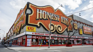 Photo of Feds announce $200M for affordable rentals where Honest Ed's once stood