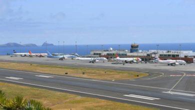 """Photo of Abertura total dos aeroportos da Madeira seria """"suicidário"""""""