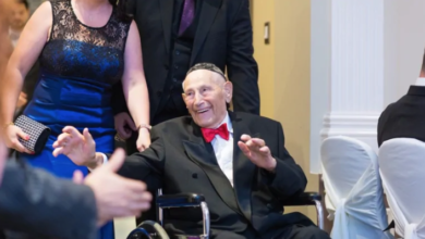 Photo of Family honours 100-year-old WW II vet who died of COVID-19 in Toronto
