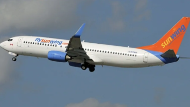 Photo of Sunwing laying off 1,500 flight staff, including pilot with COVID-19