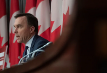 Photo of Like everything else in the pandemic plan, Morneau's economic package is chasing a moving target