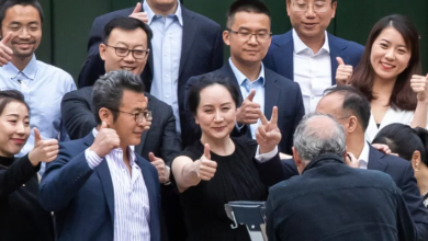 Photo of Premature victory lap? Meng Wanzhou poses ahead of momentous court decision